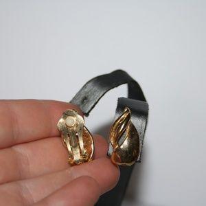 Vintage Jewelry - Vintage gold earrings